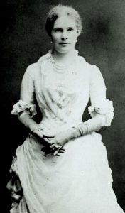 Portrait of Elisabeth Mills Reid, seated