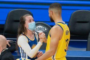 ICU Nurse with Hero Stephen Curry